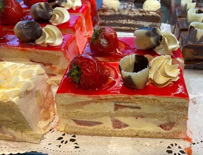 Tasty light strawberry cake